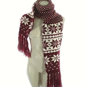 OSFM Knitted Scarf Red White Fringe Wrap Snowflake